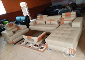 America Leather Sofas and Centre Table Made of Quality   Furniture for sale in Lagos State, Lagos Island (Eko)