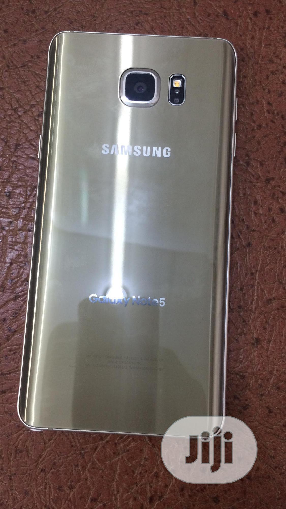 Archive: Samsung Galaxy Note 5 32 GB Gold