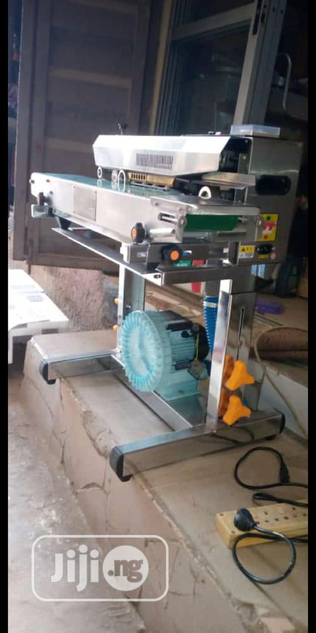 Band Sealer With Vaccume