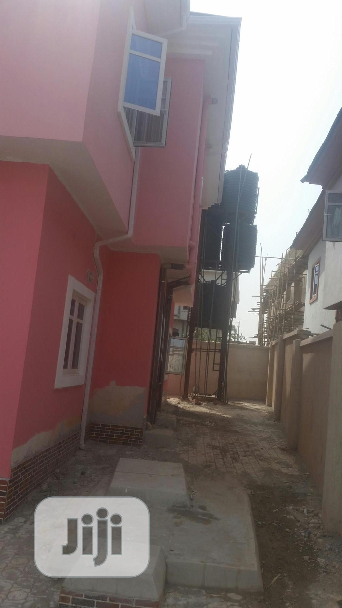Sharp 2 Bedroom Flat | Houses & Apartments For Rent for sale in Enugu / Enugu, Enugu State, Nigeria