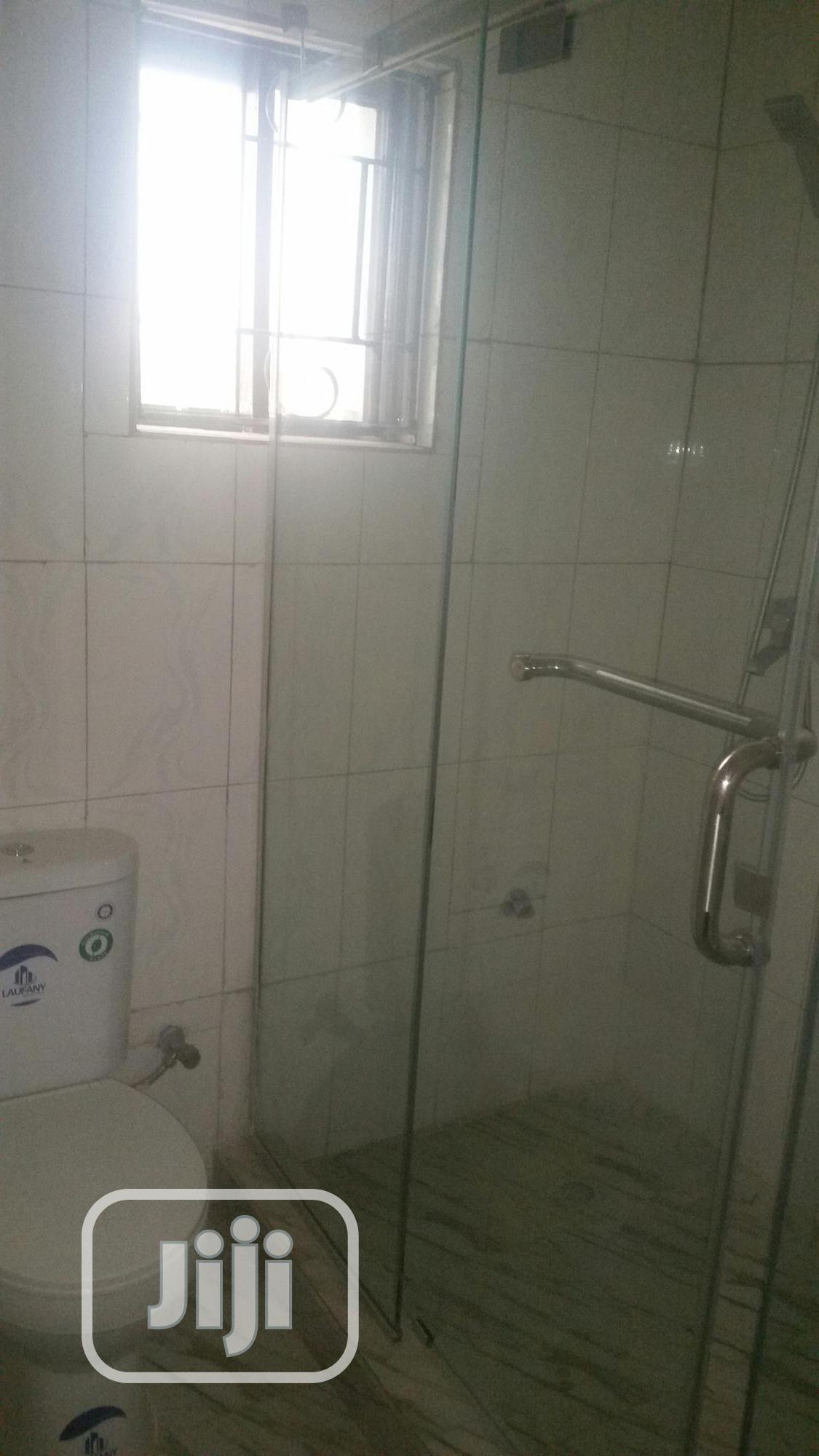 Very Sharp 2 Bedroom Flat | Houses & Apartments For Rent for sale in Enugu / Enugu, Enugu State, Nigeria