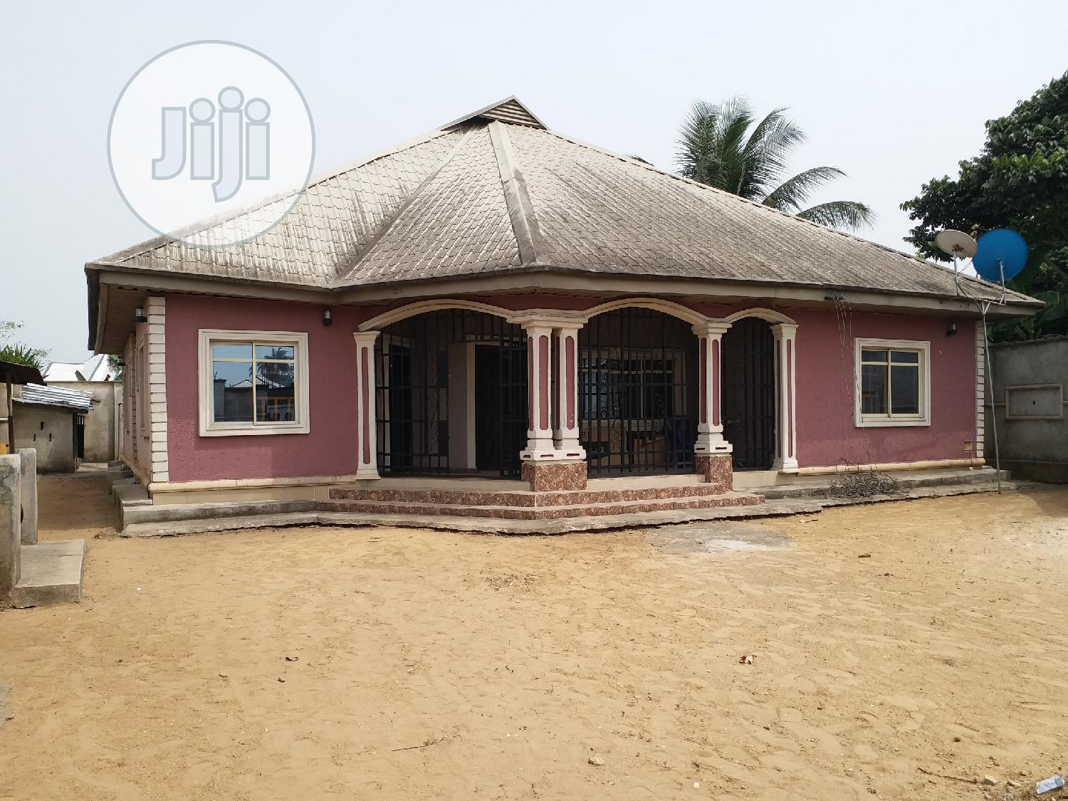 3 Bedrooms Bungalow Opp International Hospital For Sale