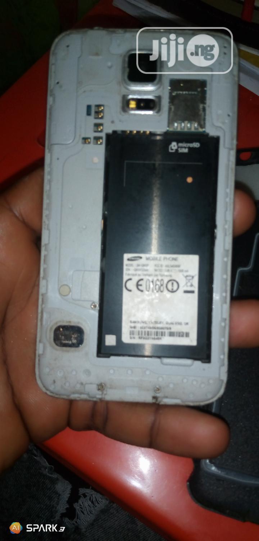 Archive: Samsung Galaxy S5 Main Panel