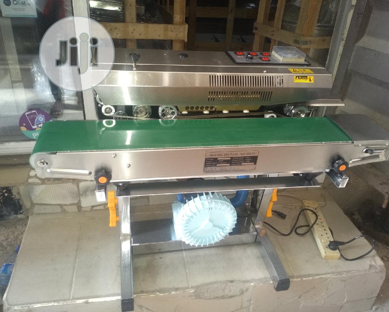 Vacuum Continuous Sealing Machine