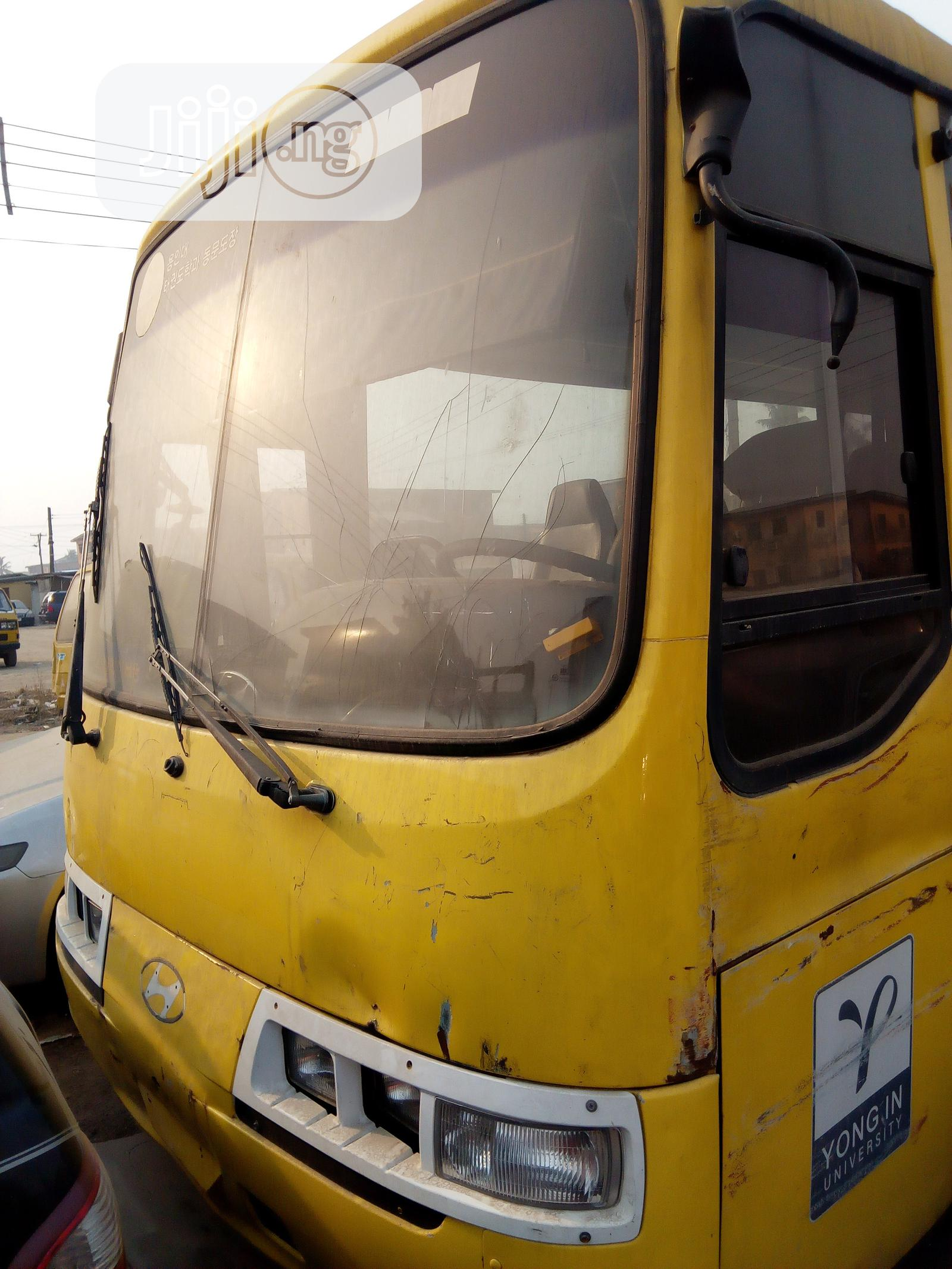 Archive: Hyundai Bus With Air-conditioning