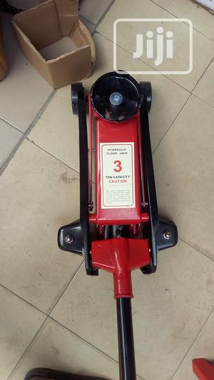 Hydraulic Floor Jack 3 Ton | Vehicle Parts & Accessories for sale in Lagos State, Ojo