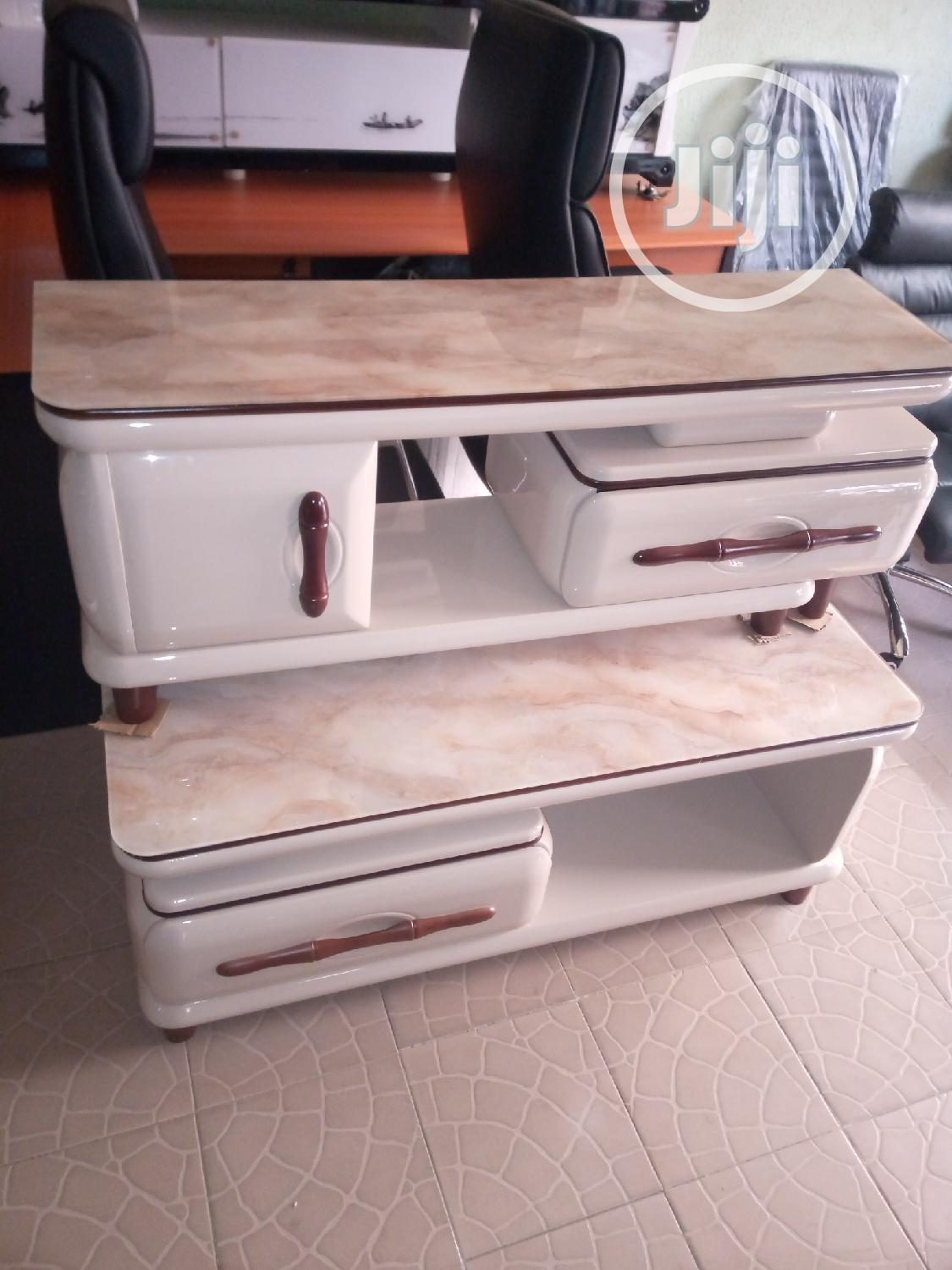 Set of Center Tabe With Tv Stand