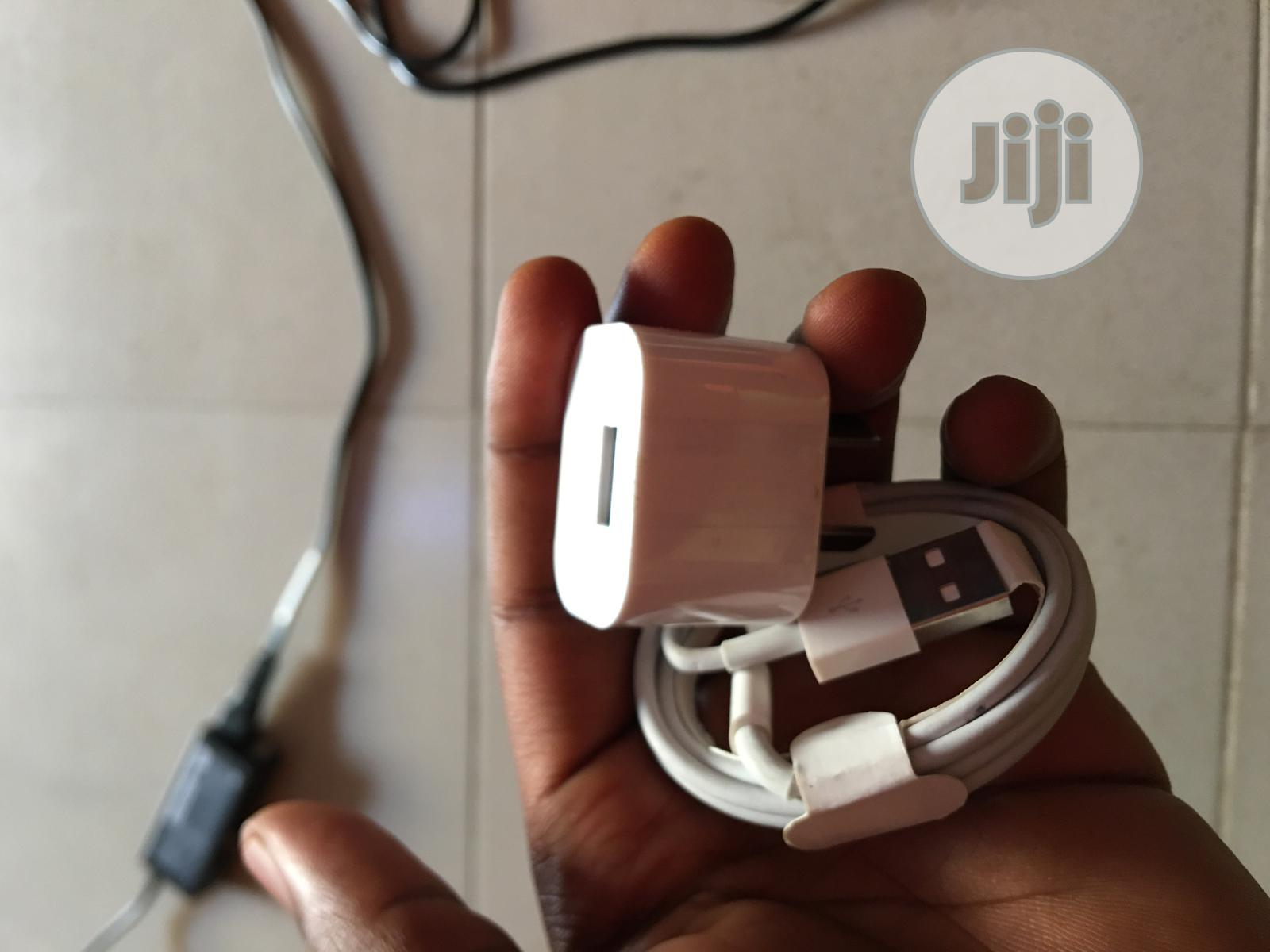 iPhones Follow Come iPhone Chargers | Accessories & Supplies for Electronics for sale in Osogbo, Osun State, Nigeria