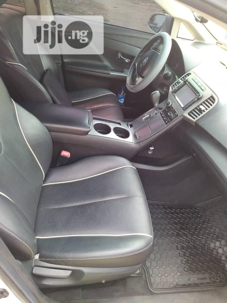 Archive: Toyota Venza 2013 XLE AWD White