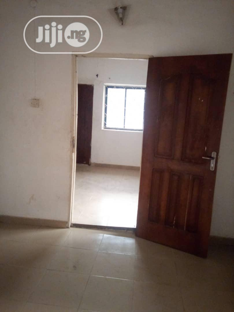 Spacious And Clean Mini Flat For Rent Off Nnobi Street Surulere Lagos | Houses & Apartments For Rent for sale in Surulere, Lagos State, Nigeria