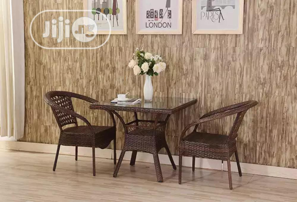 High Quality Outdoor/Garden Rattan Table And Chairs.