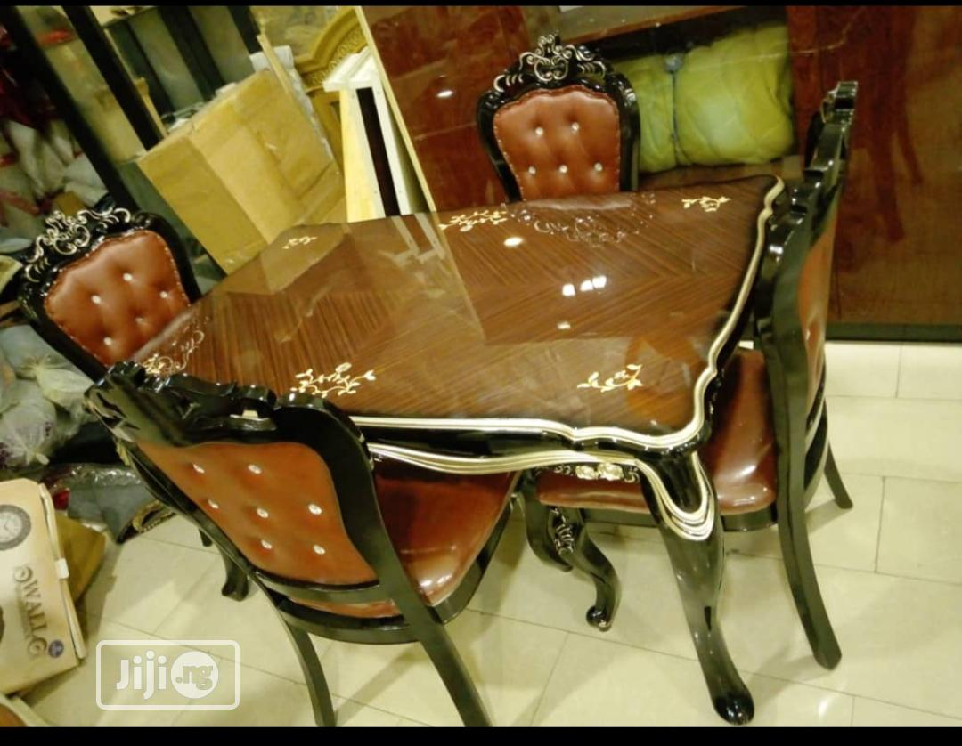 Royal Wooden 6 Seaters Dinning Set