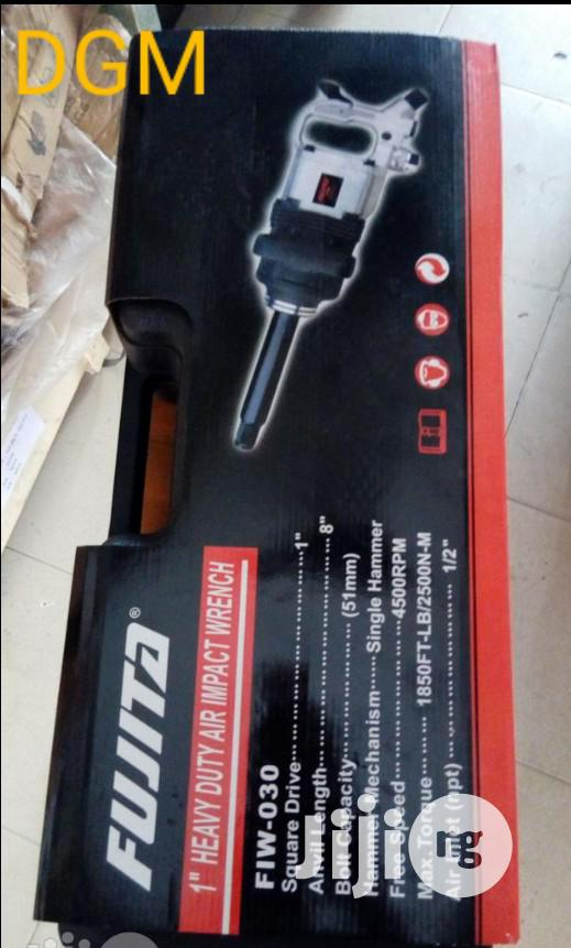 "Air Impact Wrench 1"" With Socket"