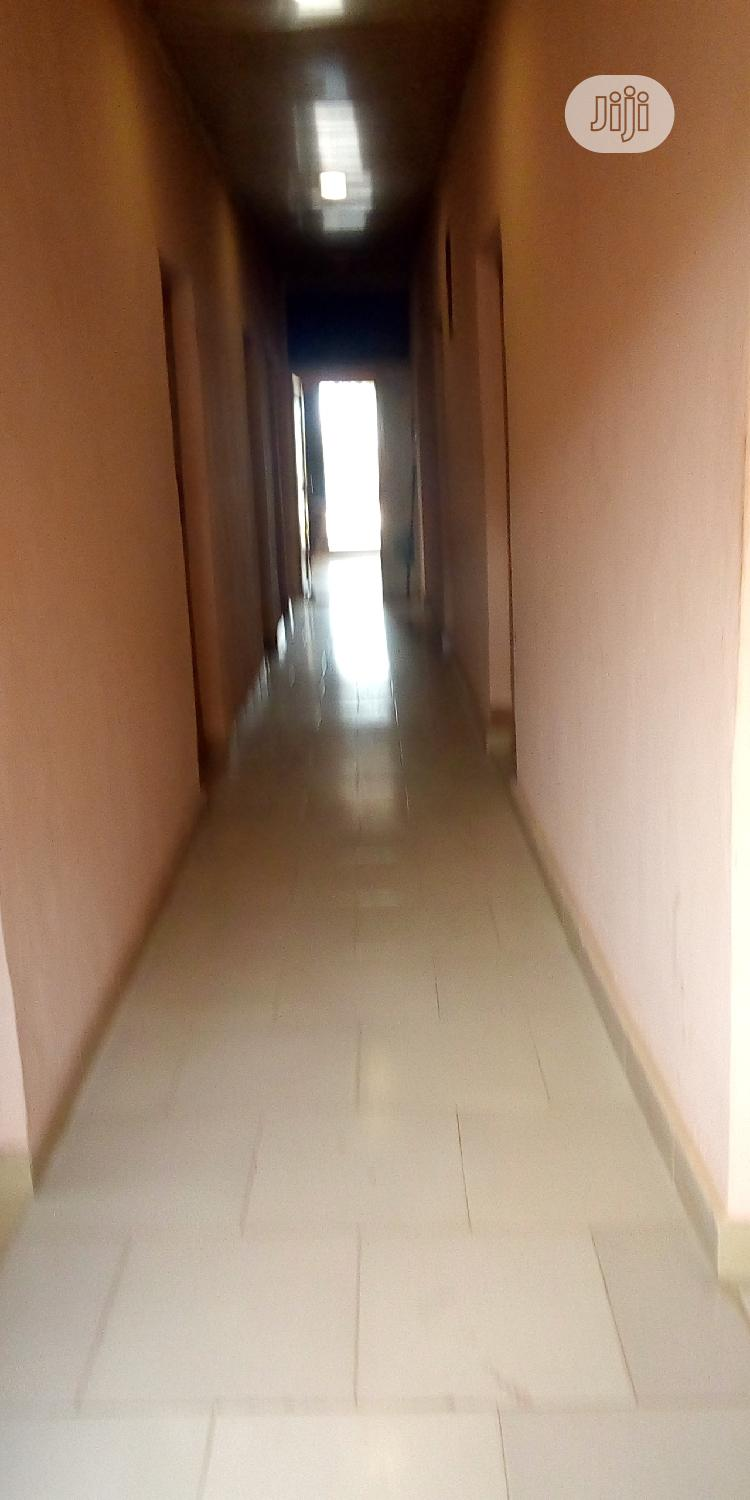 Clean & Spacious 7 Room Hotel For Lease At Ayobo.