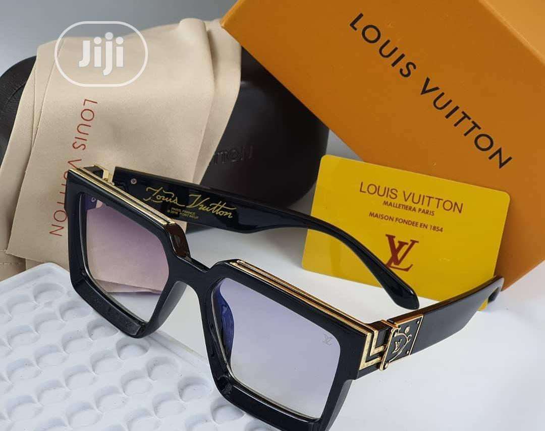 Louis Vuitton (LV) Sunglass for Men's