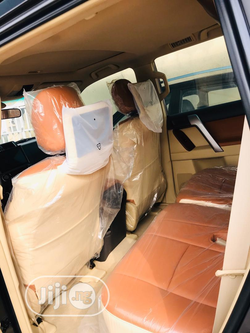 Archive: Toyota Land Cruiser Prado 2017 Gray