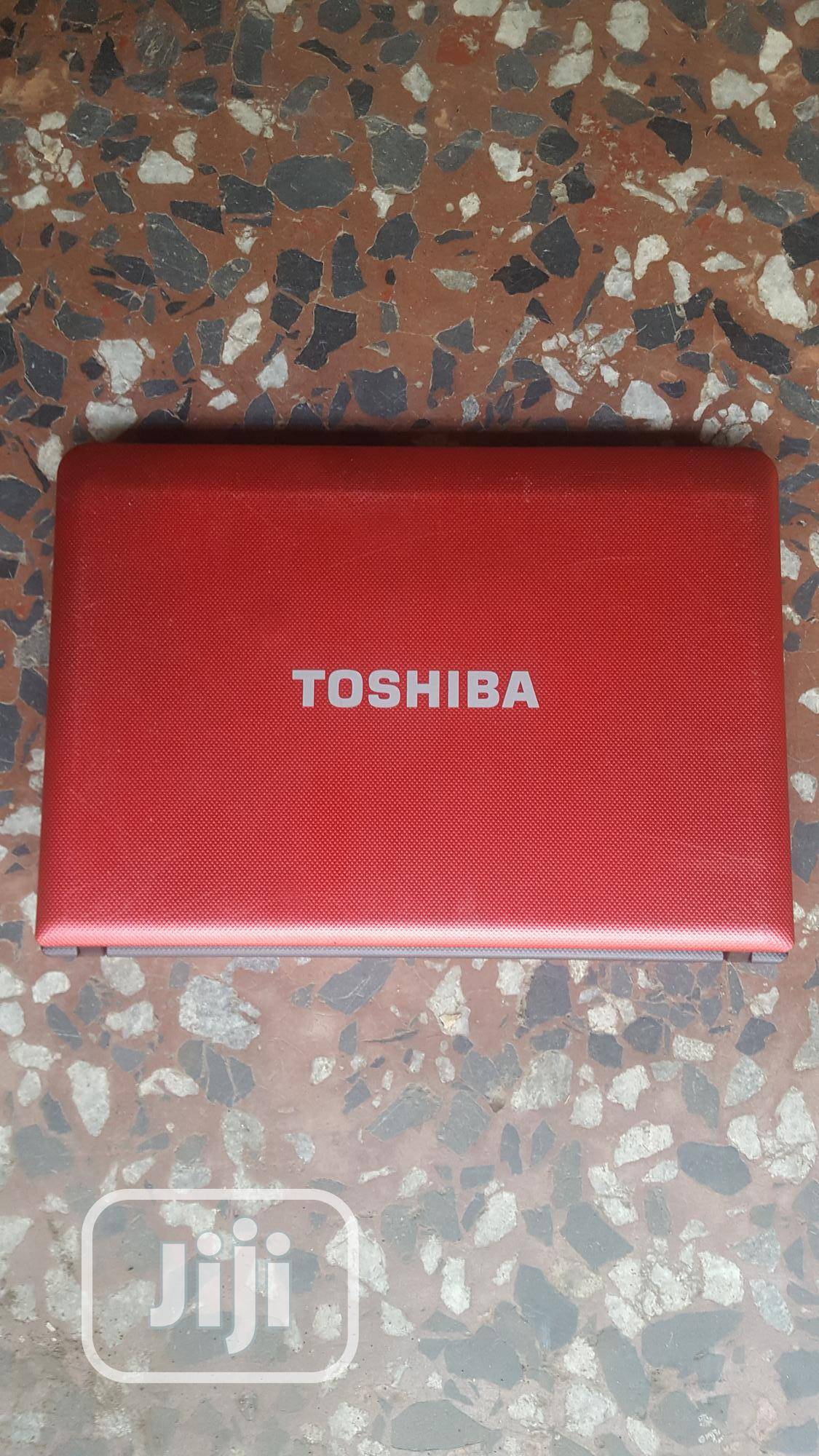 Laptop Toshiba 2GB Intel Core 2 Duo HDD 250GB