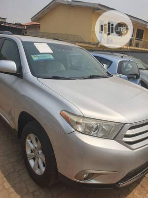 Toyota Highlander 2013 SE 3.5L 2WD Silver | Cars for sale in Oyo State, Ibadan