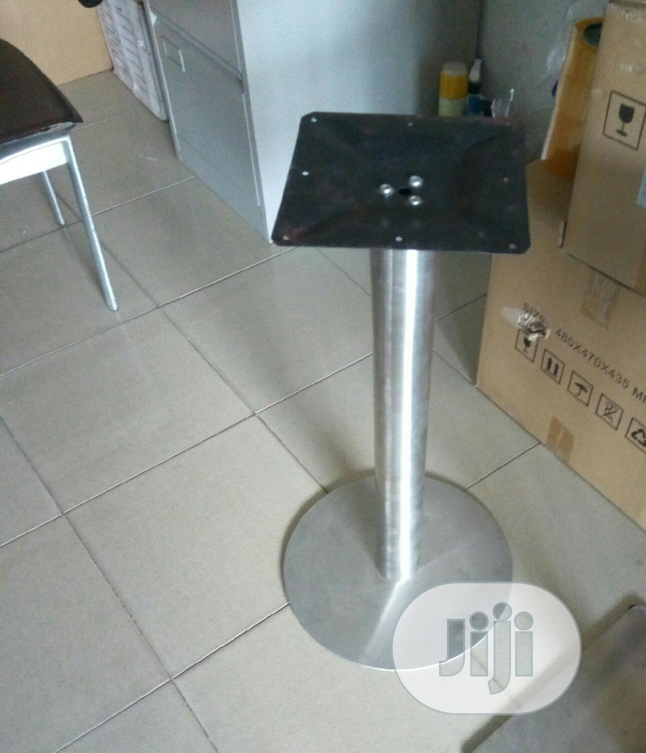 Table Stand.