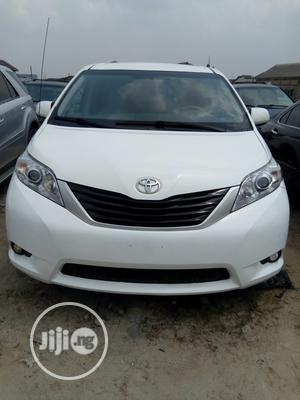 Toyota Sienna 2013 LE AWD 7-Passenger White   Cars for sale in Rivers State, Port-Harcourt