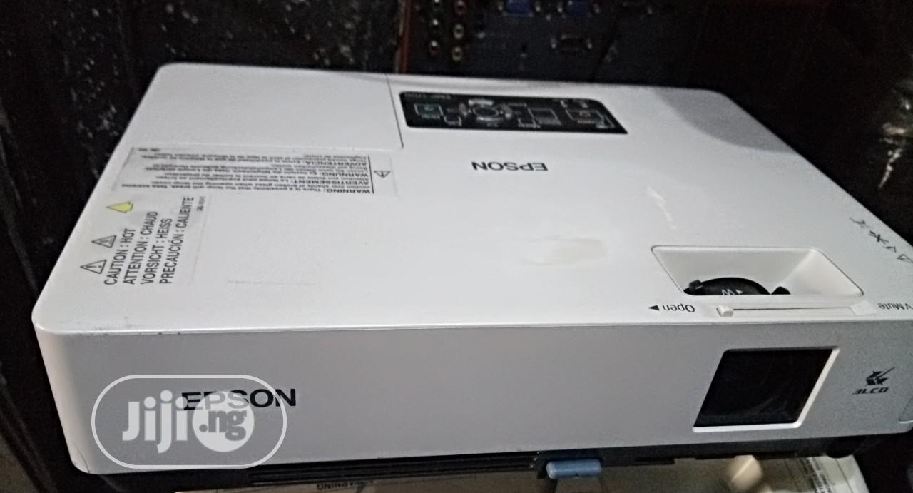 Used Sanyo Projectors