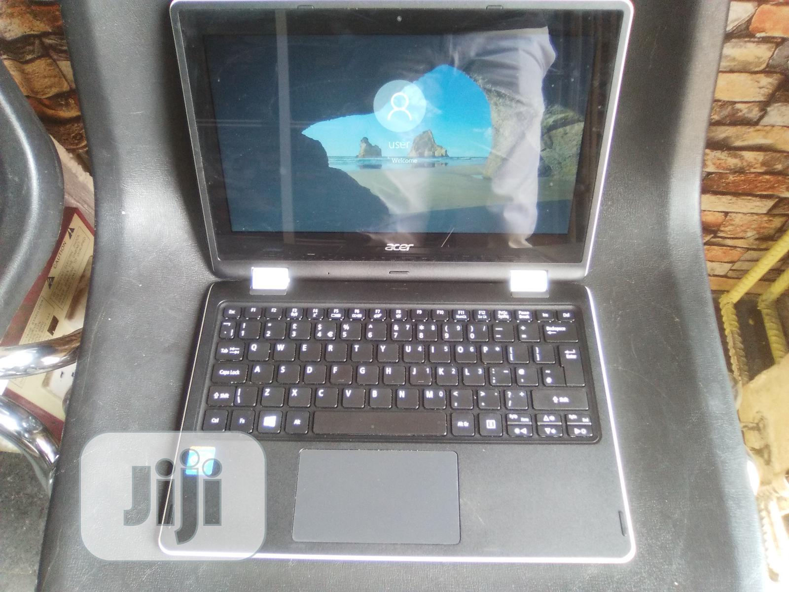Laptop Acer Aspire R-13 4GB Intel Pentium HDD 250GB