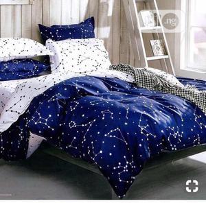 Lively Blue and White Bedding Set