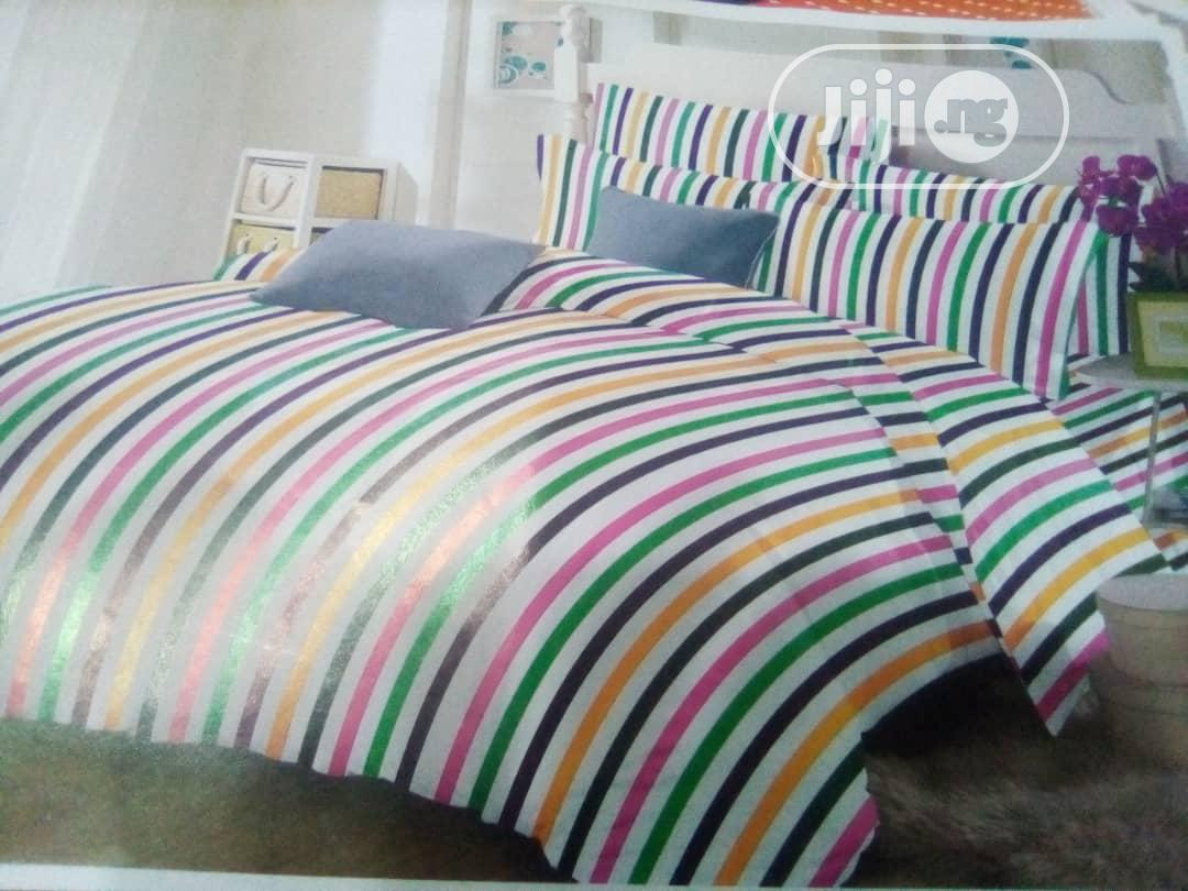 Bedding Sets With Cool Coloured Stripes