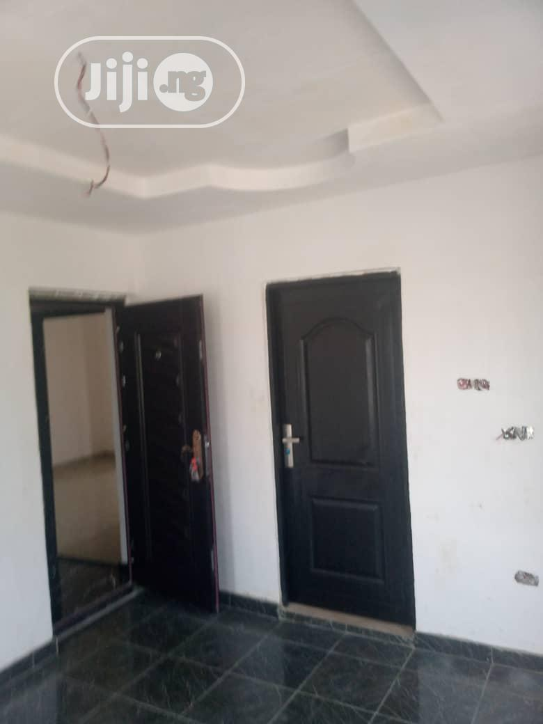 To Let. Brand New 2bedroom Flat Ensuite at Oke Afa, Janande Estate