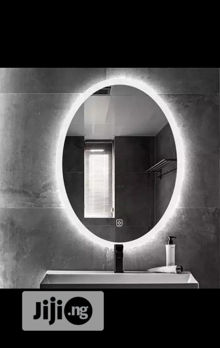 Egg LED Mirror 07