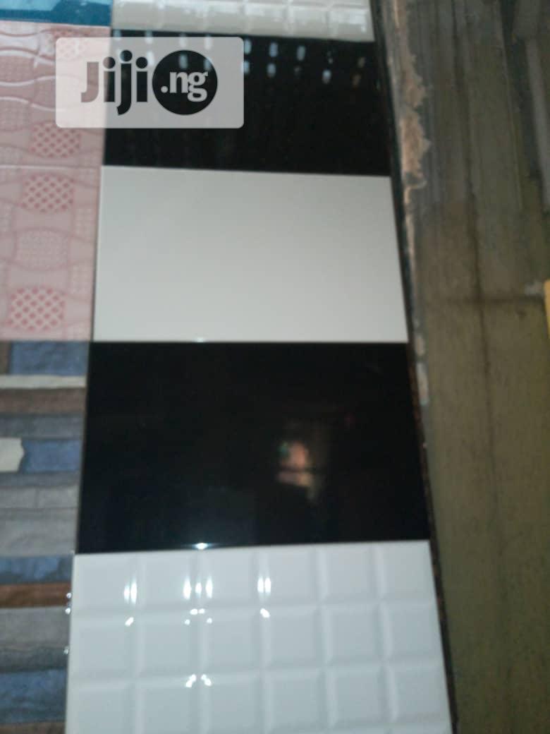 Plain White And Black Designs Tiles