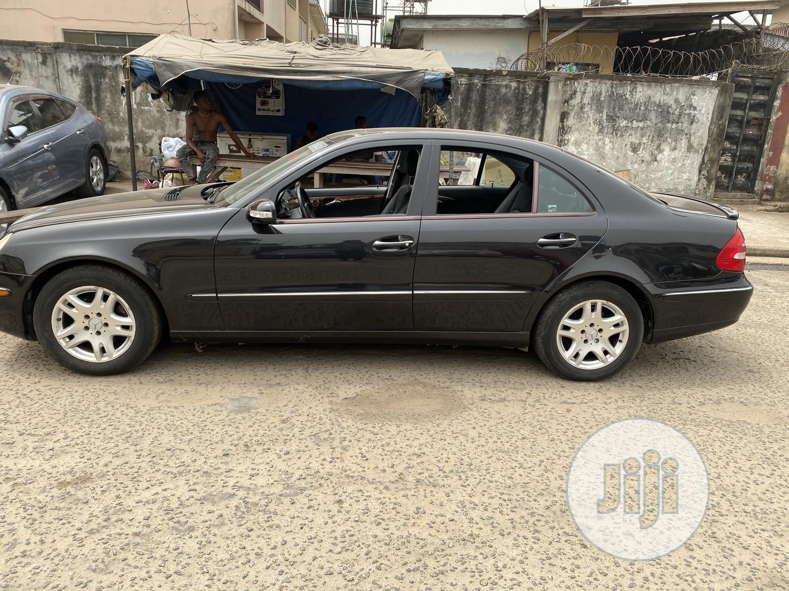 Mercedes-Benz E350 2004 Black | Cars for sale in Amuwo-Odofin, Lagos State, Nigeria