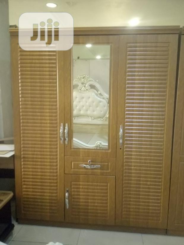 3 Doors Wooden Wardrope