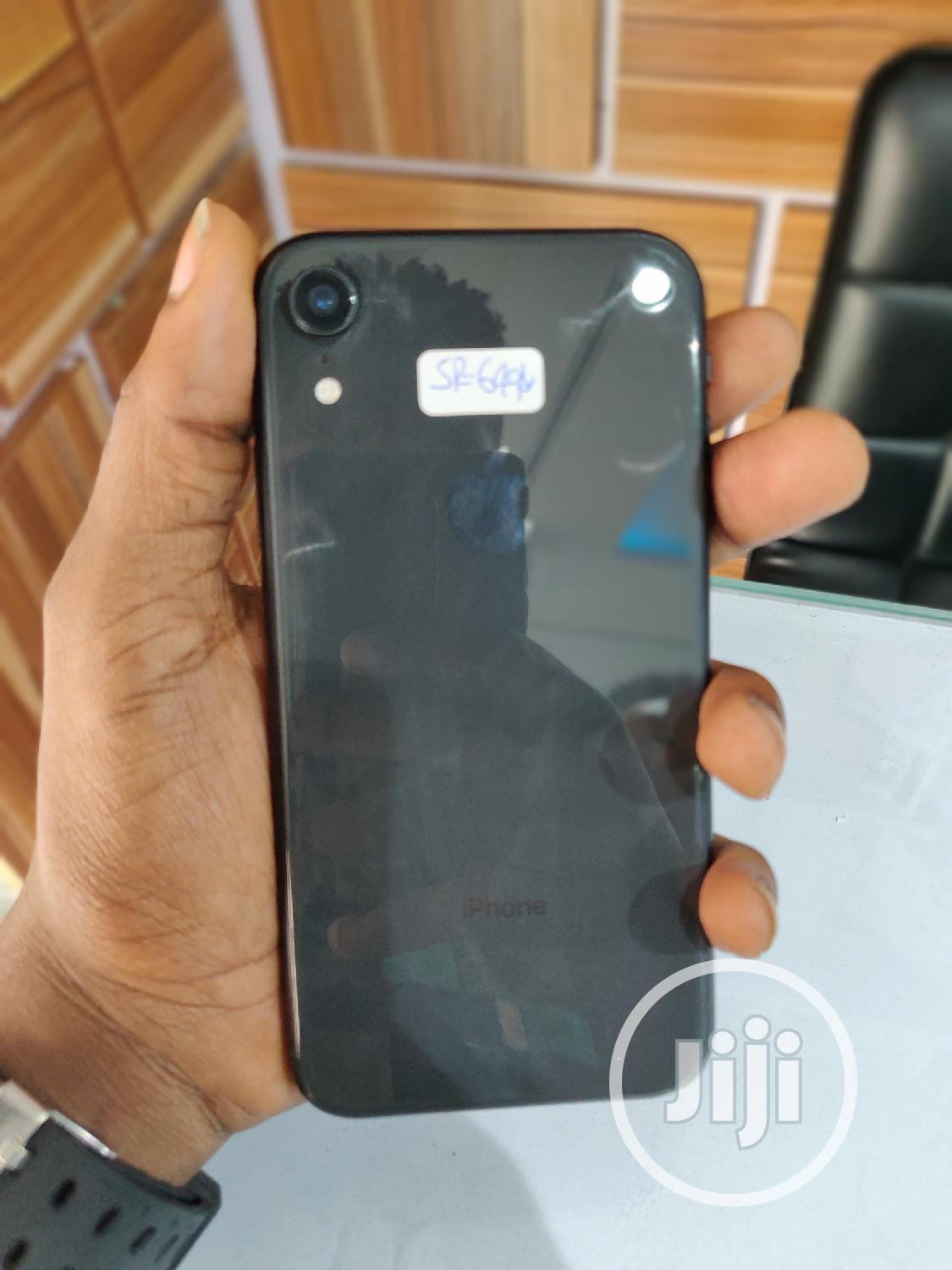 Apple iPhone XR 64 GB Black   Mobile Phones for sale in Wuse 2, Abuja (FCT) State, Nigeria