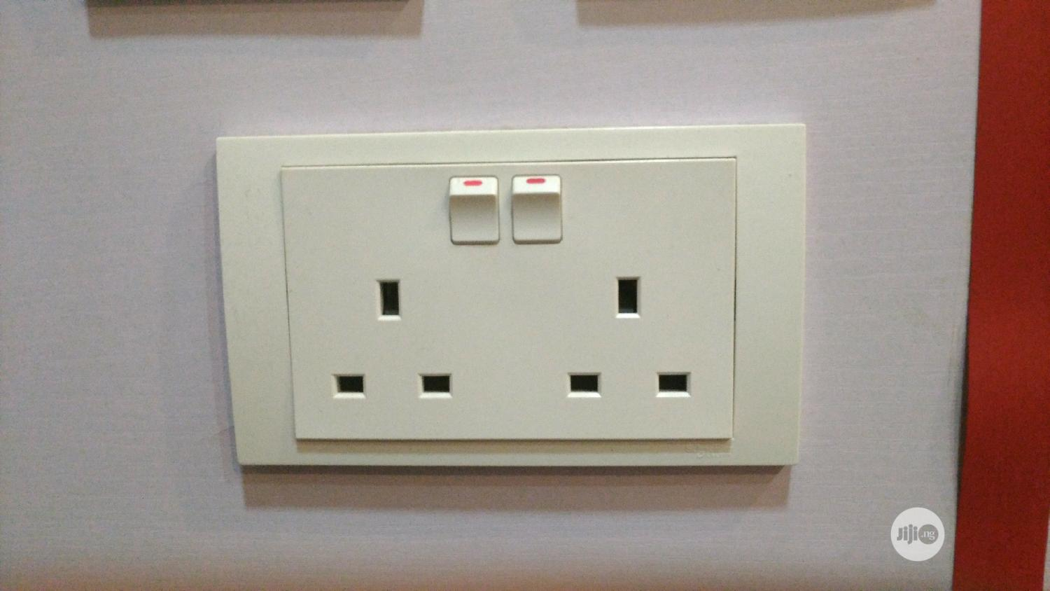 Archive: 13amps Double Schneider Socket