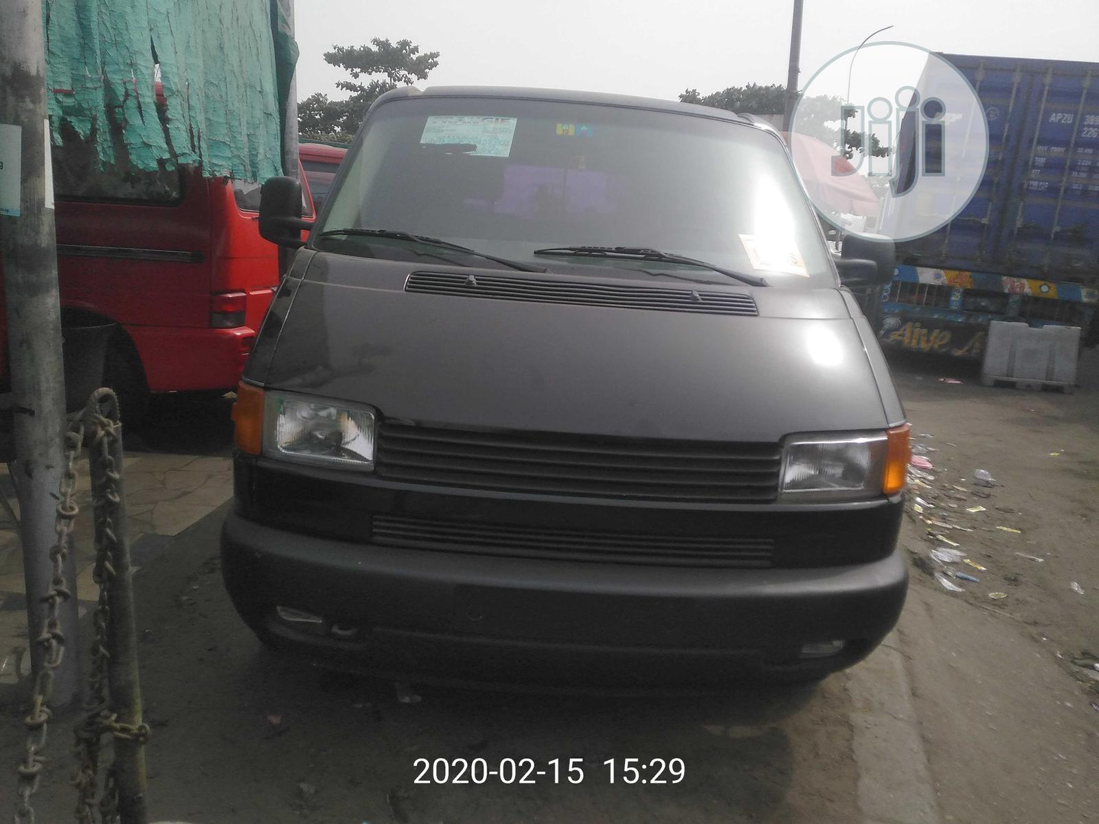 Very Clean And Sharp Volkswagen Transporter 2000 Black | Buses & Microbuses for sale in Apapa, Lagos State, Nigeria
