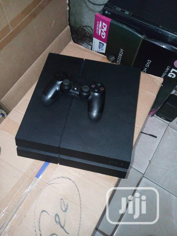 Archive: Playstation 4 With One Pad