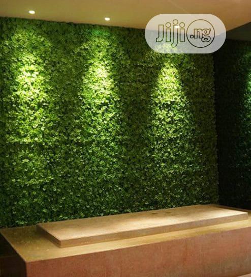 Beautiful Artificial Wall Designed Grass Carpet Plants.