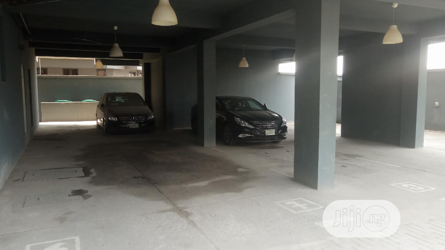 Spaciously Built 2 Bedroom Apartment For Rent In The Heart Of Oniru