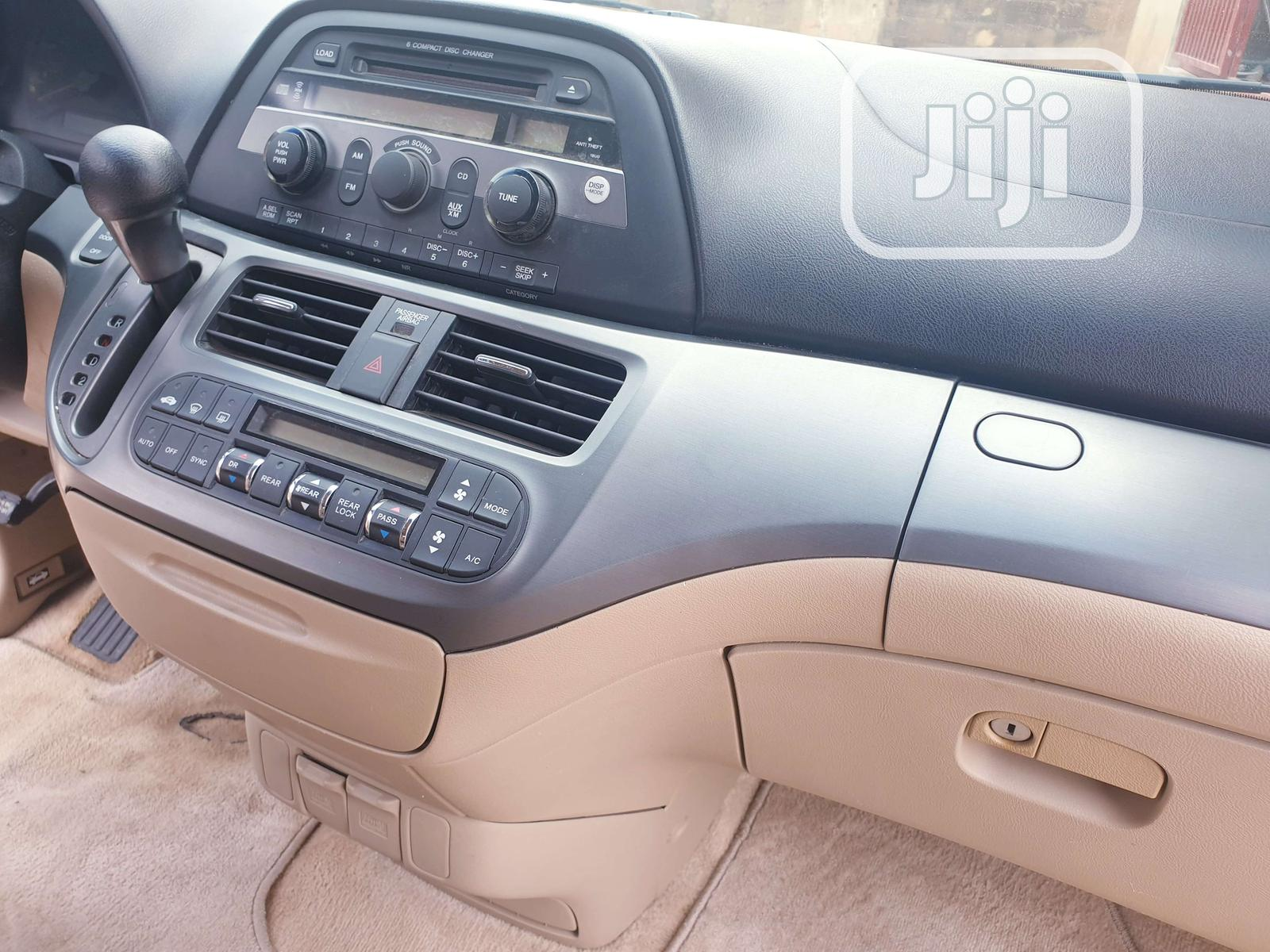 Archive: Honda Odyssey 2005 EX Automatic Red