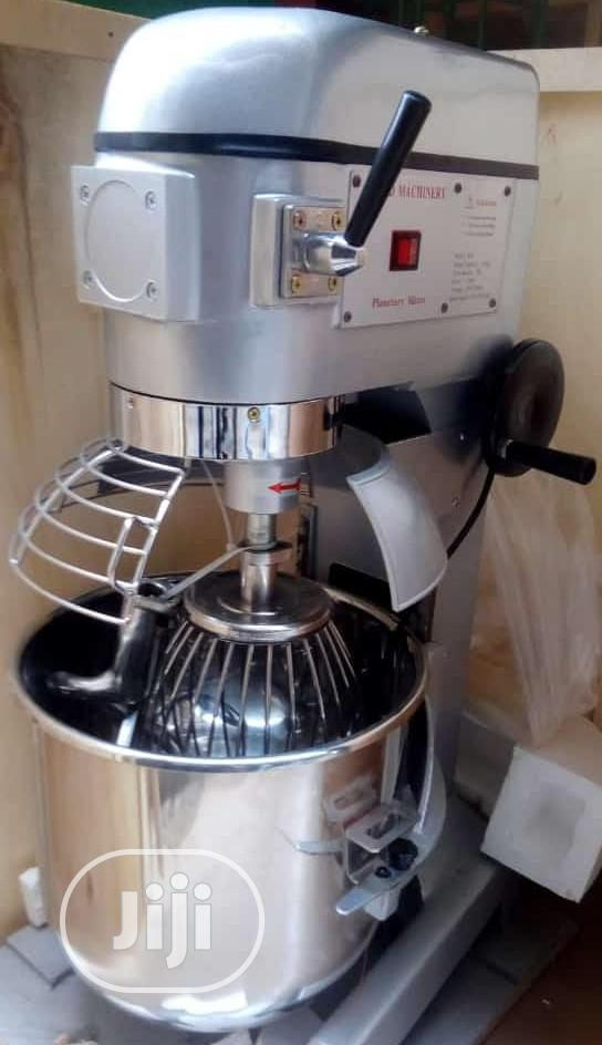 Standard Quality 10litres Table Top Cake Mixer