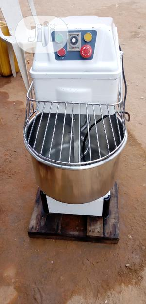 Dough/Spiral Mixer 30liters 12.5kg | Restaurant & Catering Equipment for sale in Lagos State, Ojo