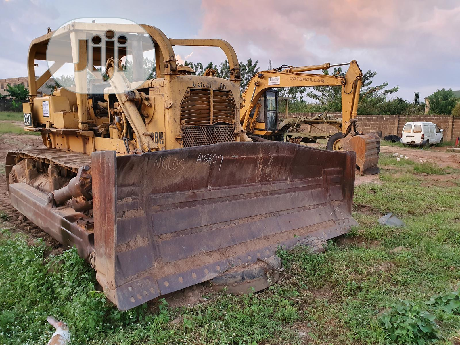 Newly Imported Caterpillar Bulldozer D8H for Sale