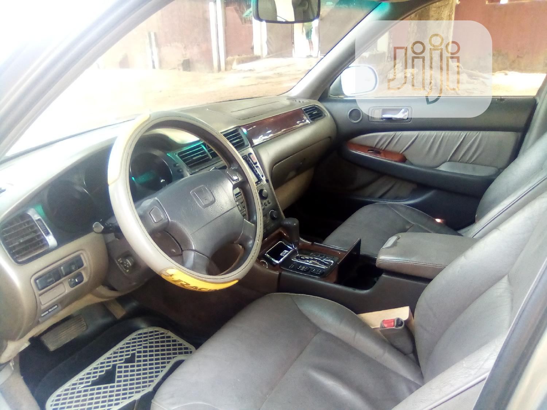 Archive: Honda Legend 2000 Gold