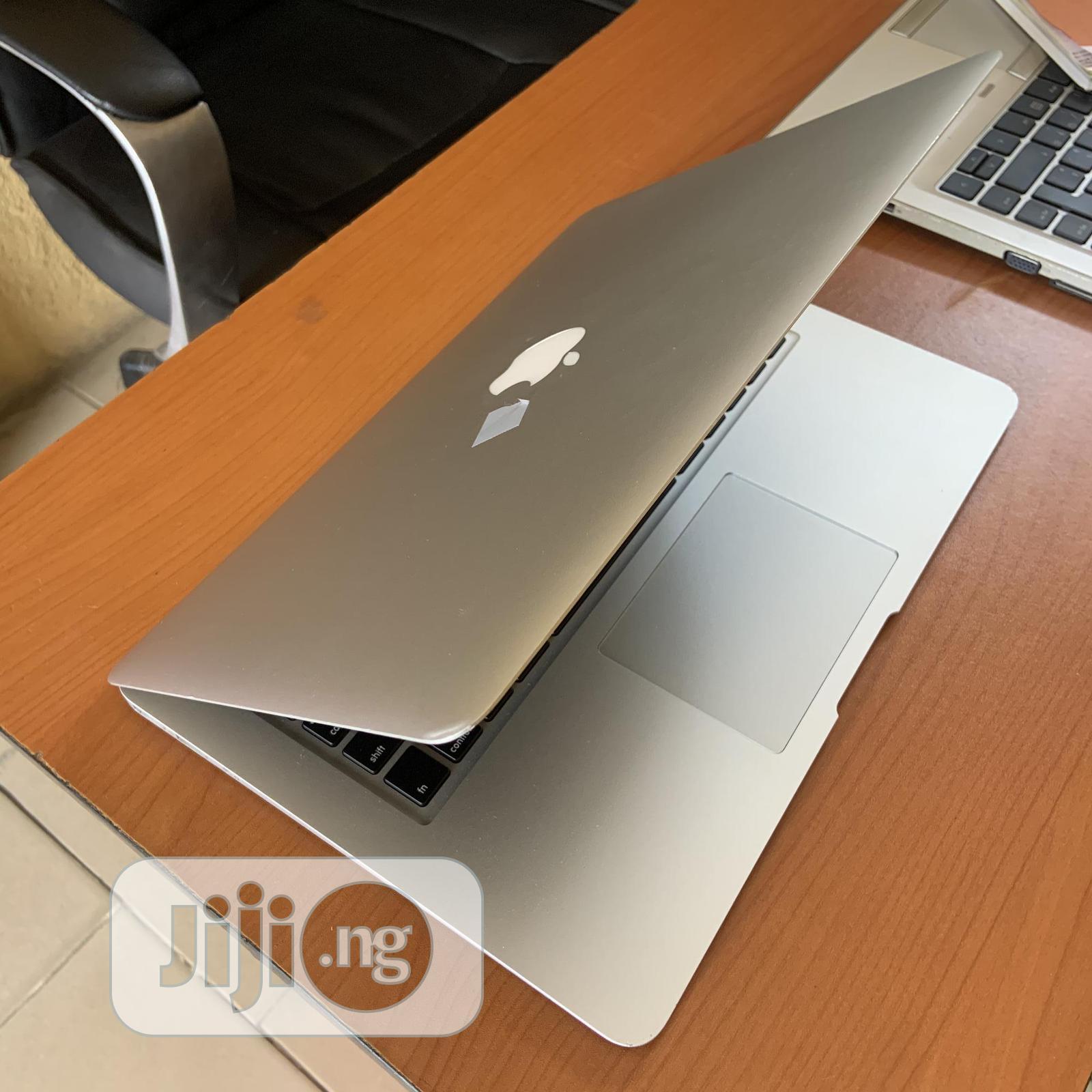Laptop Apple MacBook Air 2015 8GB Intel Core I7 SSD 256GB