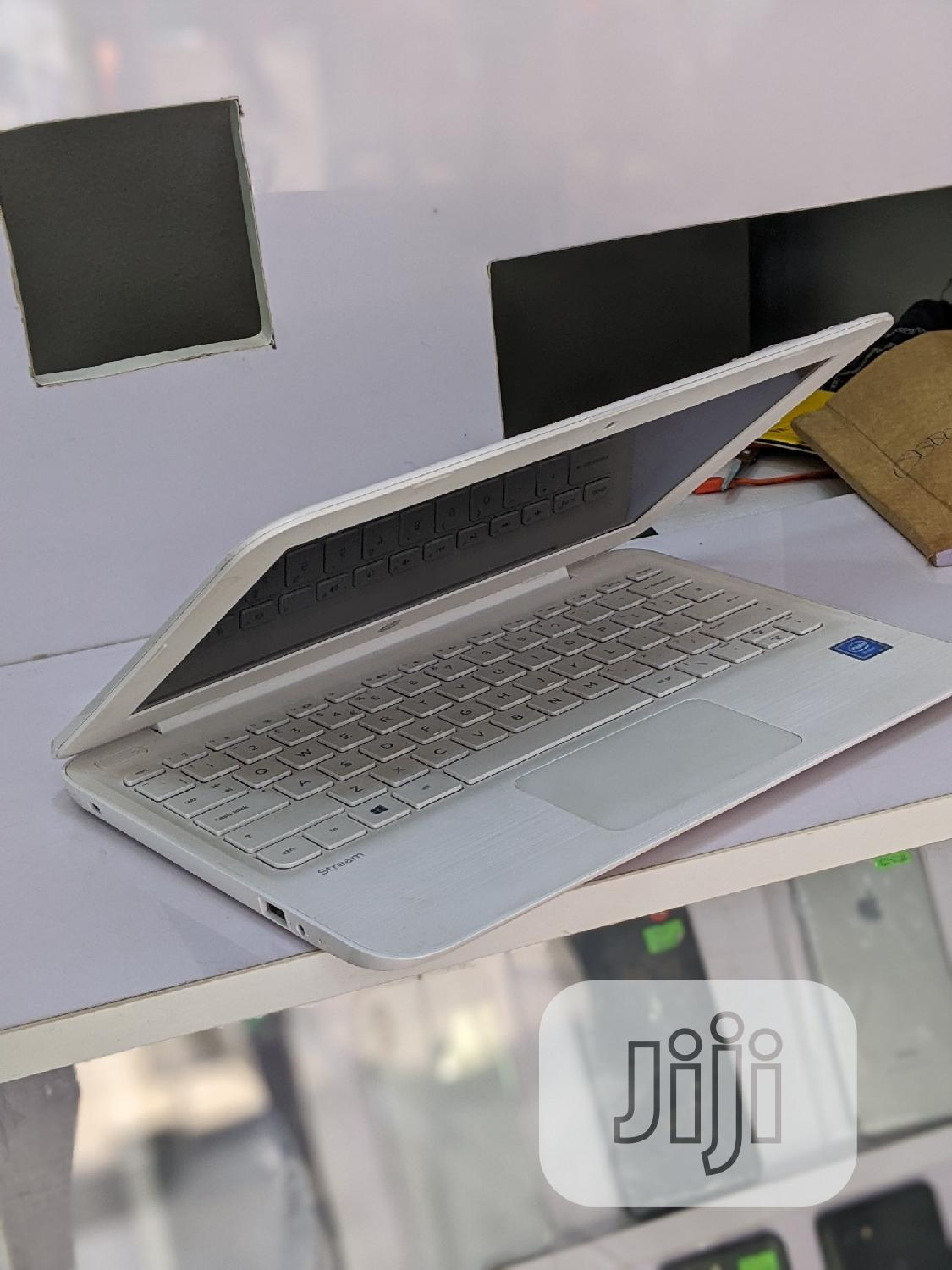 Laptop HP Stream 11 4GB Intel SSD 32GB | Laptops & Computers for sale in Ikeja, Lagos State, Nigeria