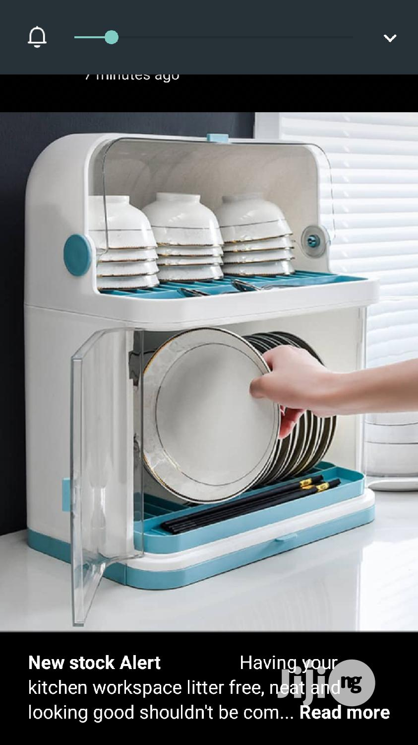 Table Top Plate Rack With Cover