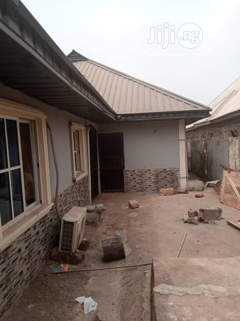 Very Neat And Nice Distress 4flats Building For Urgent Sale | Houses & Apartments For Sale for sale in Benin City, Edo State, Nigeria