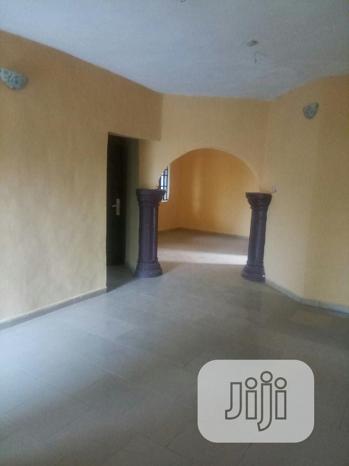 Archive: Very Spacious, Beautiful 3 Bedroom Flats In Shibiri Town