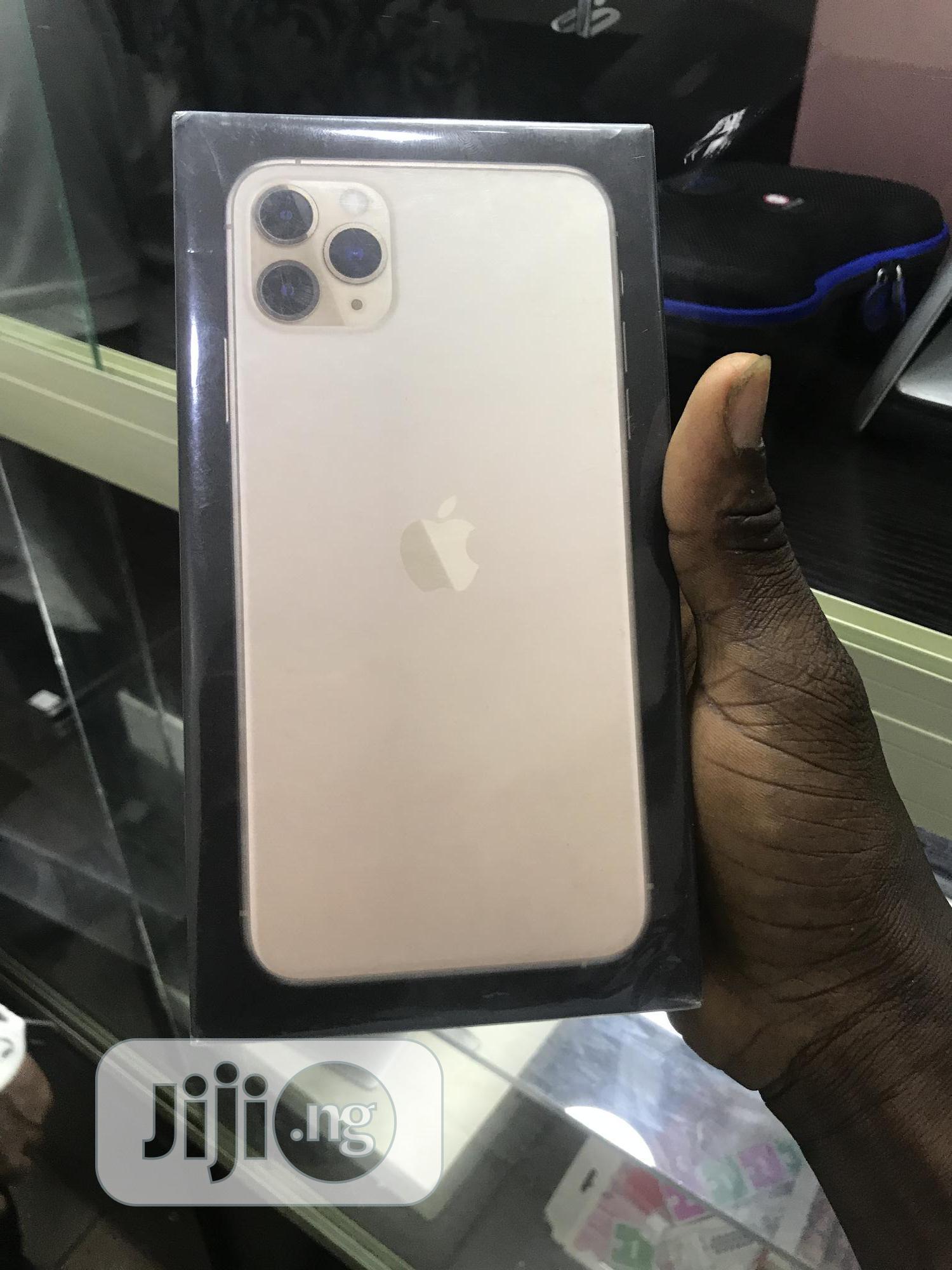 New Apple iPhone 11 Pro Max 64 GB Silver